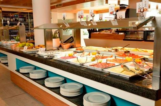 Hotel Scene Vanilla Garden buffet