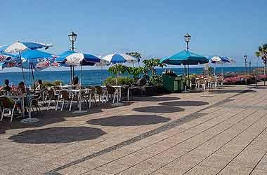 playa jardin parasols